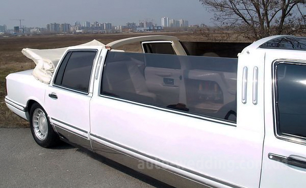 Прокат лимузина lincoln Town Car Cabriolet