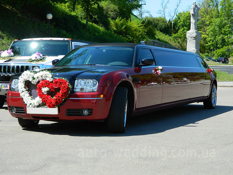 Прокат лимузина Chrysler 300C BORDO