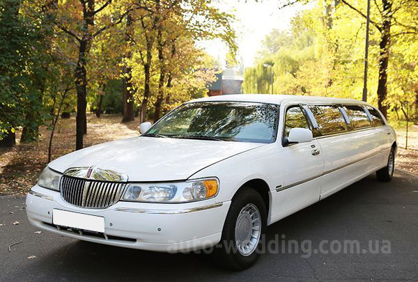 Прокат лимузина lincoln Town Car ELIT